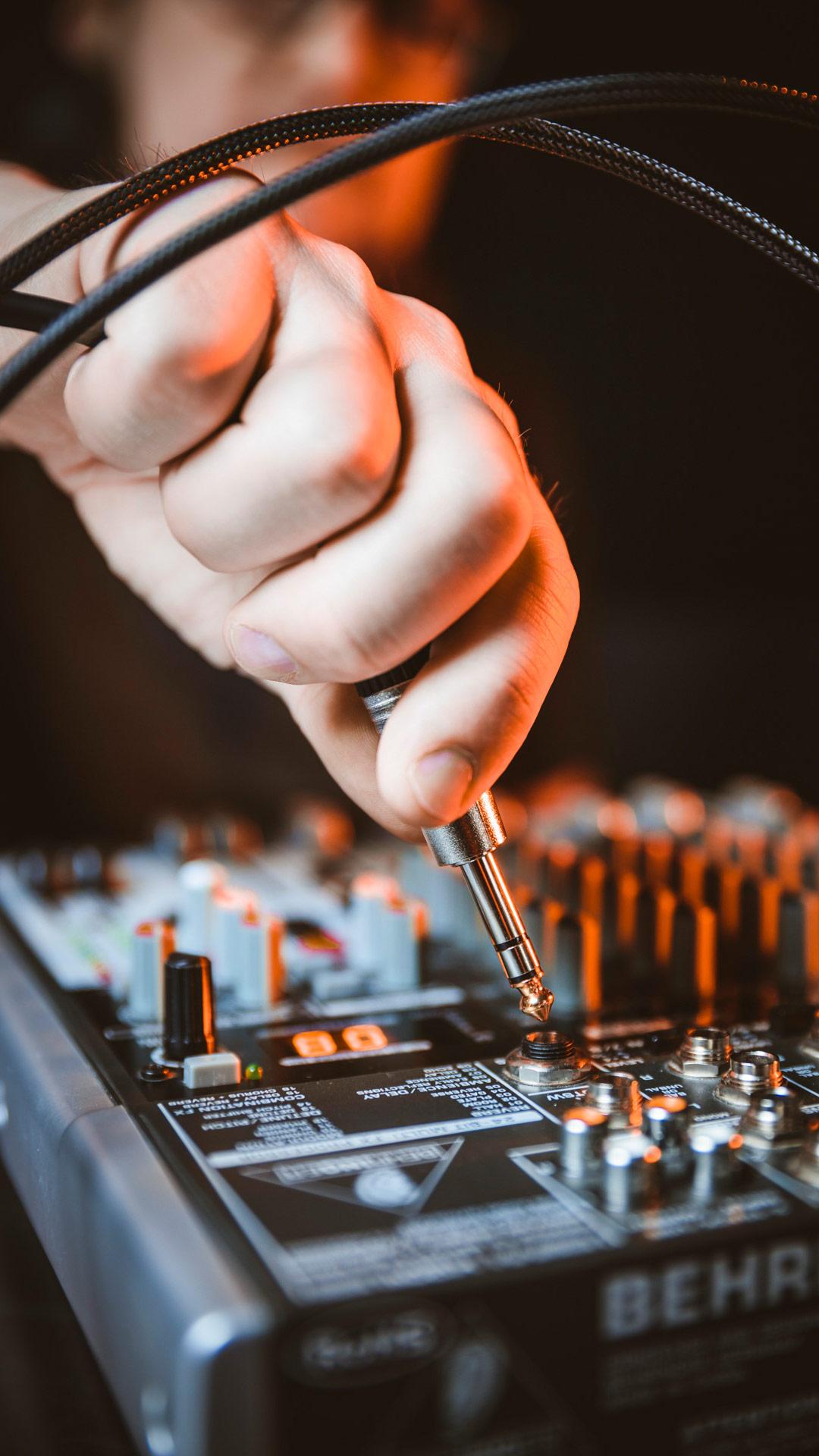 Podigee_plug_n_play_podcasting_hardware